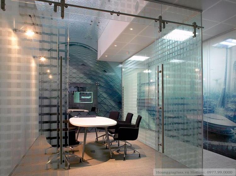 cửa kính lùa ray inox phi 25