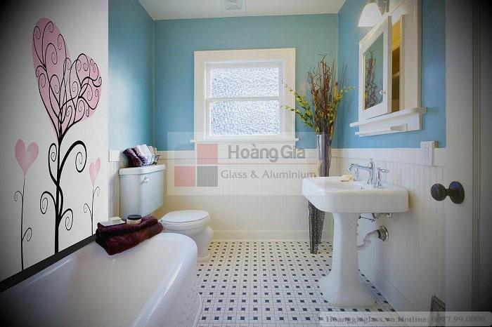 Kính màu nhà vệ sinh tại Hà Nội