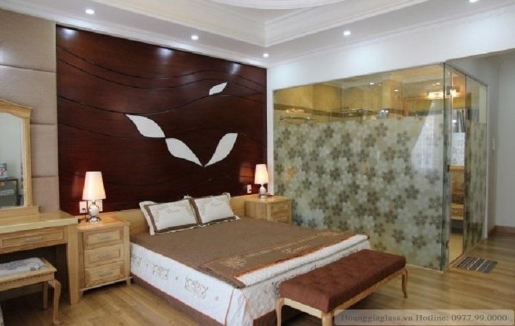 Vách ngăn kính phòng ngủ đẹp