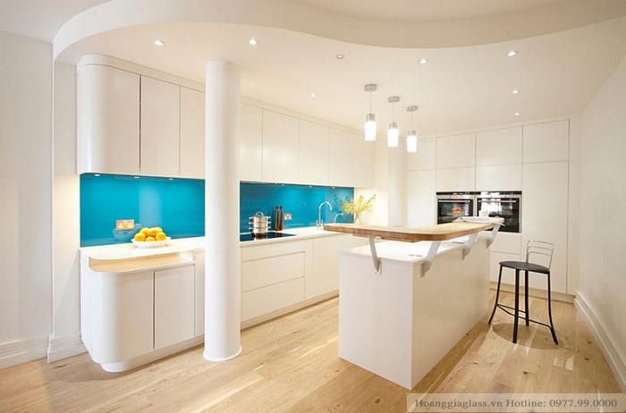 Kính ốp bếp màu cường lực xanh ngọc đẹp - sang trọng